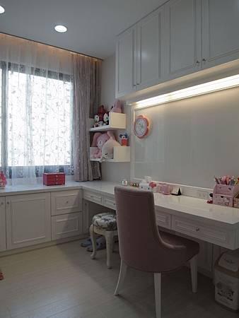 書櫃設計 書桌設計 系統櫃 女兒房設計 (2).JPG