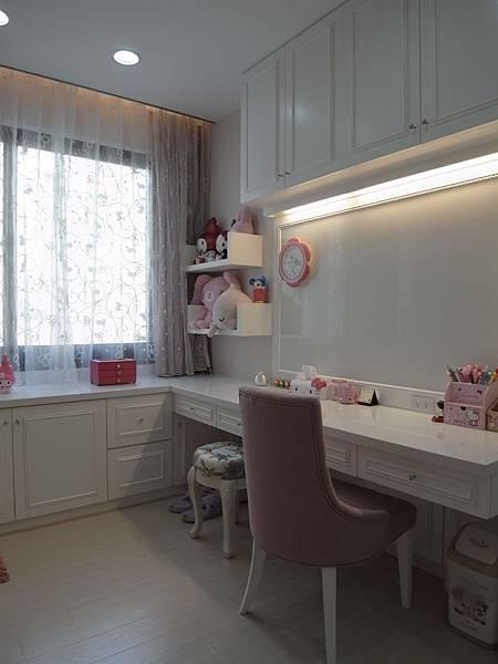 書櫃設計 書桌設計 系統櫃 女兒房設計 (3).JPG