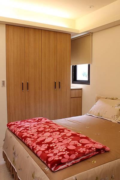 台中室內設計系統櫃 衣櫃設計 臥室裝潢 (1).JPG