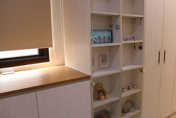 台中室內設計系統櫃 衣櫃設計 臥室裝潢 (2).JPG