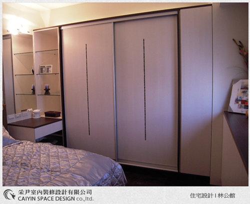 台中室內設計-居家設計-系統廚櫃-臥室衣櫃.jpg