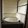 主臥-浴室.jpg