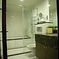 主臥浴室.jpg