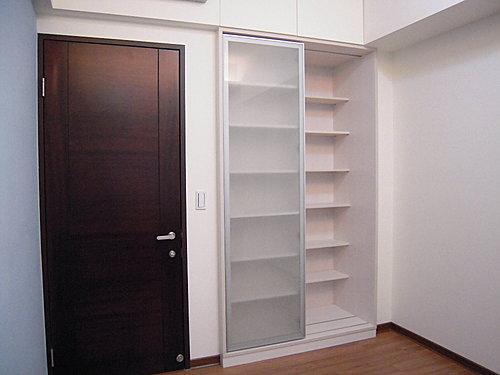 衣櫃設計 居家裝潢 櫥櫃設計 鋁框推拉門設計 衣櫃收納 (1).jpg