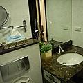 衛浴設計 居家裝潢 浴室設計 住宅裝潢 洗手台設計  衛浴系統收納櫃 (2).jpg