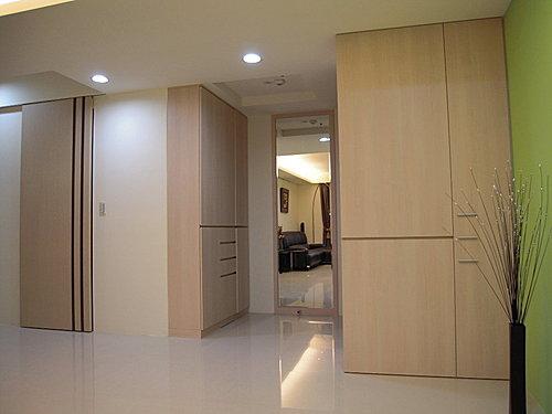 裝潢風水 室內設計 居家裝潢 餐除櫃設計 鞋櫃設計 隔間裝潢 客廳裝潢 玄關設計 (2).jpg