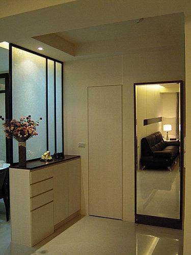 裝潢風水 室內設計 居家裝潢 餐除櫃設計 鞋櫃設計 隔間裝潢 客廳裝潢 玄關設計 (29).jpg