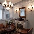 台中室內設計 臥室設計 天花板裝潢 衣櫃鋁框門 (1).jpg