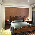 台中室內設計 臥室設計 天花板裝潢 衣櫃鋁框門 (3).jpg