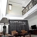 台中室內設計 臥室設計 天花板裝潢 衣櫃鋁框門 (5).jpg