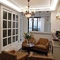 台中室內設計 臥室設計 天花板裝潢 衣櫃鋁框門 (10).jpg
