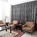 台中室內設計 臥室設計 天花板裝潢 衣櫃鋁框門 (14).jpg