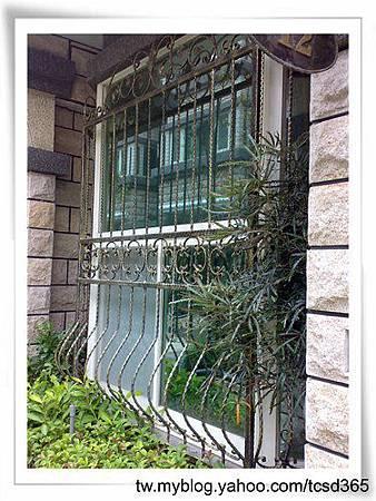 台中室內設計 鋼鋁工程 鋁門窗工程 鐵鋁門裝潢 (6).jpg