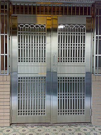台中室內設計 鋼鋁工程 鋁門窗工程 鐵鋁門裝潢 (11).jpg