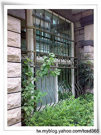台中室內設計 鋼鋁工程 鋁門窗工程 鐵鋁門裝潢 (13).jpg