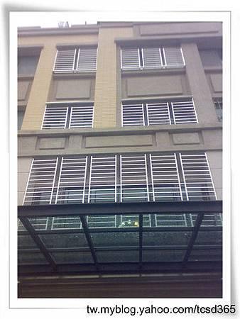 台中室內設計 鋼鋁工程 鋁門窗工程 鐵鋁門裝潢 (17).jpg