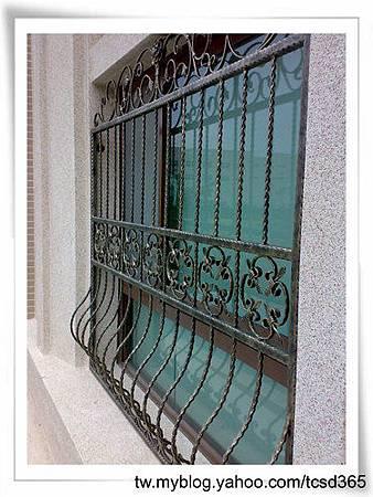 台中室內設計 鋼鋁工程 鋁門窗工程 鐵鋁門裝潢 (21).jpg
