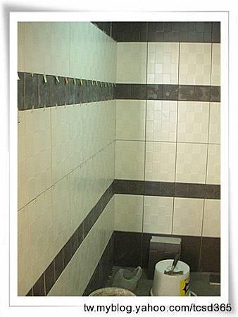 台中室內設計 大理石工程 石材工程 浴室大理石檯面 裝潢工程 泥作施作 老屋翻新 磁磚更新 浴室磁磚更新 (6).jpg