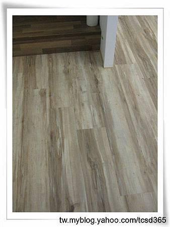 中部室內地板設計 裝潢工程 台中地板工程 老屋翻新 地板施工 居家地板 (3).jpg