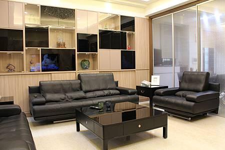 客廳設計 裝潢風水 居家裝潢 電視牆設計 大理石工程 台中室內設計 (1).JPG