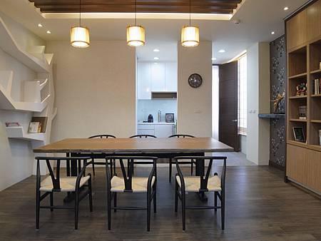 台中室內設計 玄關設計 客廳裝潢 系統櫃 櫥櫃五金 電視牆設計 展示櫃 (37).JPG