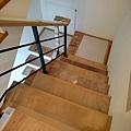 2樓 樓梯 地板防護