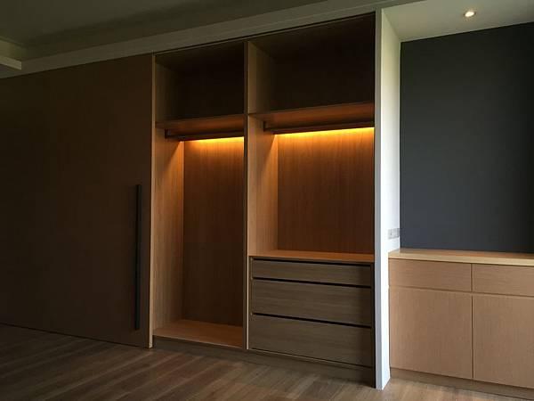 臥室衣櫃設計01.JPG