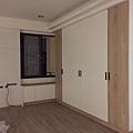 二樓主臥室 (1).jpg