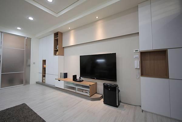 台中系統櫃電視牆設計