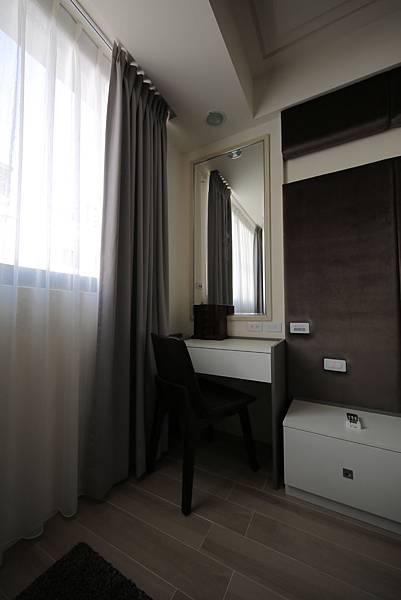 主臥室化粧台設計