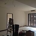客廳空間油漆施工完成 (3).jpg