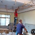一樓客廳區天角材施工.jpg