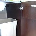 垃圾櫃體木工工程施作、垃圾桶採購