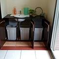 垃圾櫃體施作完成