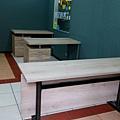 辦公桌組裝完成