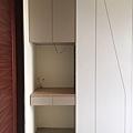 惠宇新觀 (7)系統櫃組裝施工完成/搭配木作造型切割門