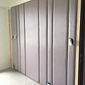 惠宇新觀 主臥室繃布側邊待貼覆木皮修飾.jpg