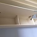 惠宇新觀 電室牆上掀櫃門片代工廠導內斜角加工.jpg
