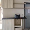 登陽廊香 餐廳空間系統餐櫥櫃安裝進度 待抽頭補齊後安裝.jpg