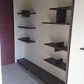 惠宇新觀 主臥室系統收納展示層板櫃缺失檢查.jpg