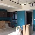 惠宇新觀 廚房空間牆面油漆跳色施工完成.jpg