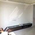 惠宇建設 惠宇新觀Q戶 客廳空間電視牆清潔施工.jpg