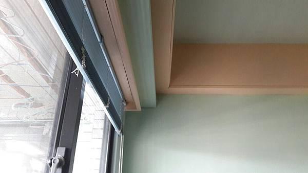 更衣室窗簾盒.jpg