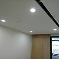 次臥空間1天花板LED崁燈安裝.jpg