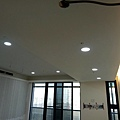 主臥空間天花板LED崁燈安裝.jpg