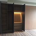 台中室內設計-大滑門收納櫃設計 (4).jpg