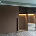 台中室內設計-大滑門收納櫃設計 (5).jpg