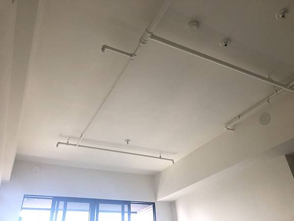 惠宇禮仁 客廳空間天花板丈量紀錄.jpg