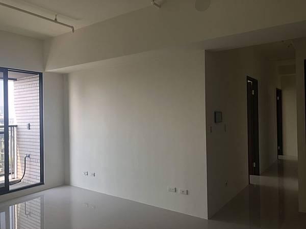 惠宇禮仁 客廳空間電視牆丈量紀錄.jpg