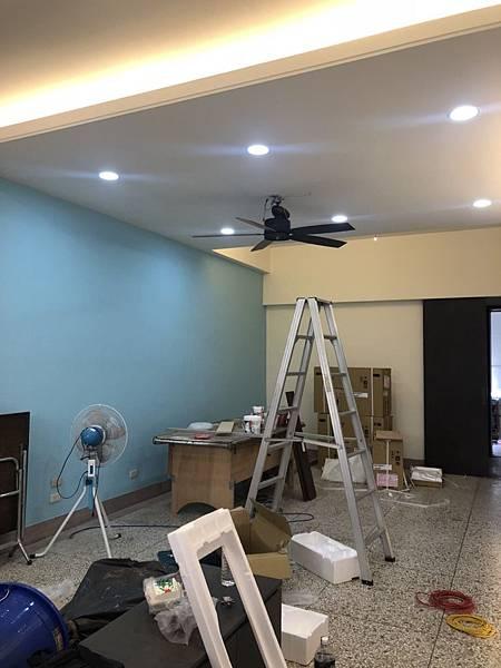 草屯舊屋翻新 客廳空間吊扇安裝施工紀錄.jpg